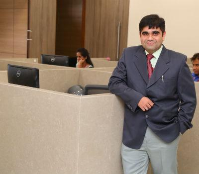 Dr. Akshay Joshi